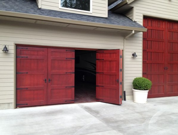 Bi fold carriage doors traditional garage doors lightweight weatherproof : weatherproof door - pezcame.com
